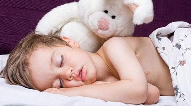 Bebeklerde Yatağı Islatma