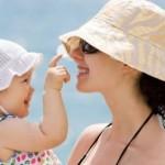 1 Yaş Çocuğunuzun Sizi Sevdiğinin 7 İşareti